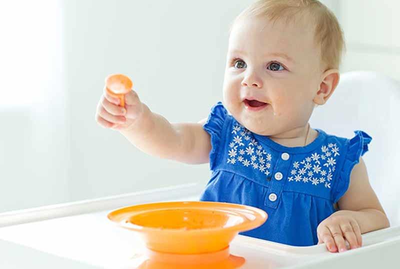 Vào bếp nấu món cháo ăn dặm cho bé 8 tháng tuổi